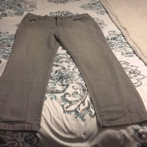 LAST CHANCE Gray wash jeans